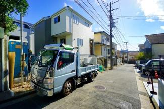 前面道路はの約4.5メートルあり、 駐車が苦手な方にも安心して駐車出来ます!