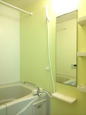 【浴室】ガーデンハウス新天町A