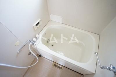 広いお風呂は疲れも癒されますね