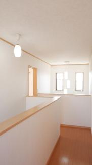 階段を上がった2階部分。