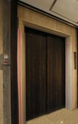 リドレス西荻窪のエレベータ―です。