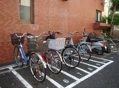 和泉サンハイツの駐輪場です。
