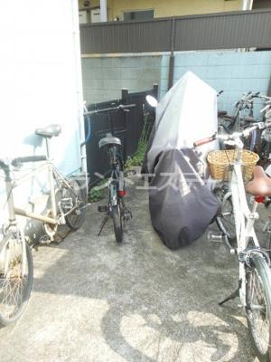 【その他共用部分】ベルグラン上馬B棟 南向き 室内洗濯機置場 駐輪場