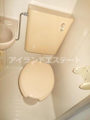 【トイレ】ベルグラン上馬B棟 南向き 室内洗濯機置場 駐輪場