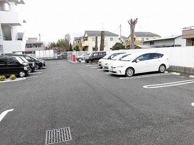 【駐車場】ウィステリア