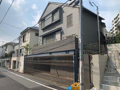 東急東横線「中目黒」駅徒歩6分。新規内装リフォーム済の中古戸建です(2021.08.28撮影)