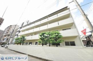 摂津本山駅近くの大型マンションです。
