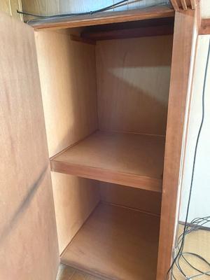 2階廊下にも奥行のある収納があり、便利ですね!