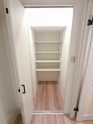 廊下のウォークインクローゼットです。