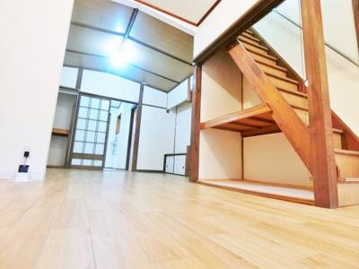 【居間・リビング】大豆塚町2丁テラスハウス