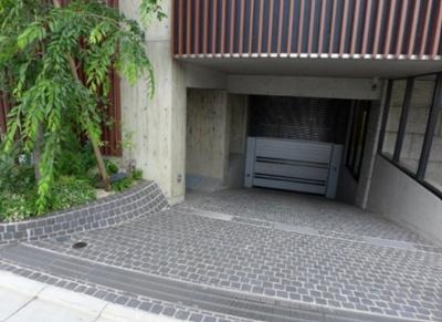 【駐車場】AURA表参道