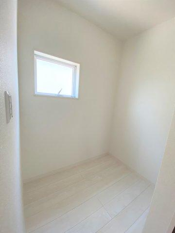 ストレージルーム完備。収納としても趣味部屋としても◎昨今需要のある在宅ワークスペースとしても使えます