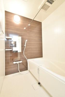 【浴室】ベルソレイユ春岡C棟
