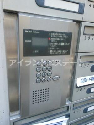 【セキュリティ】三茶花壇 デザイナーズ ロフト 南東向き