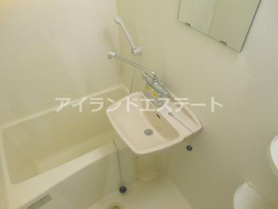 【浴室】三茶花壇 デザイナーズ ロフト 南東向き