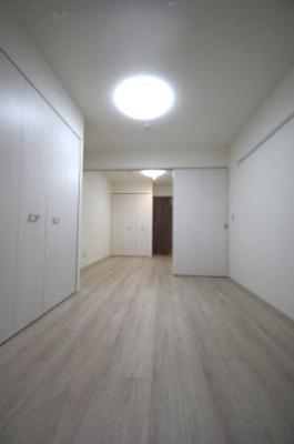 「ホワイトベースの統一感のある室内です」