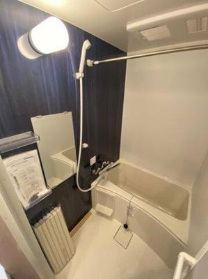 ゆったりと浸かれるバスルーム
