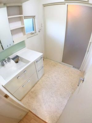 1階洗面所の写真です♪