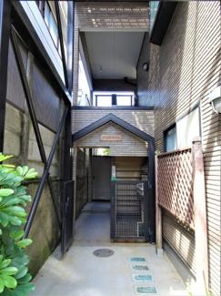 【エントランス】ダコタハウス