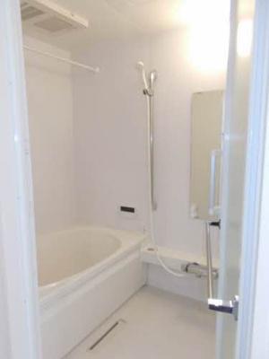 【浴室】シャーメゾンロジ