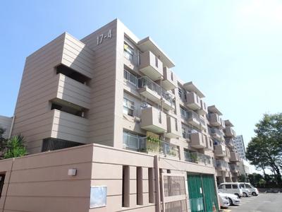 スタイリッシュモダンな建物です♪周辺施設も恵まれた、生活しやすい環境♪
