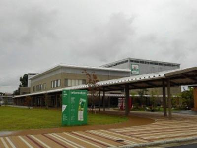 袋井総合体育館まで290m