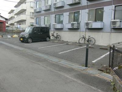 【駐車場】CDE(ツェーデーエー)