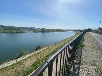 入間川が近いので、景色を眺めながら気持ちよくお散歩やランニングができます♪(令和3年6月撮影)