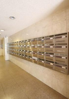 中野東豊マンションのメールボックスです。