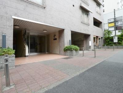 中野東豊マンションのアプローチです。