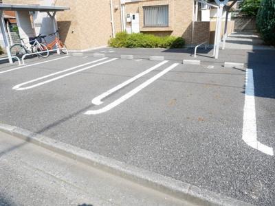 【駐車場】アコーディア