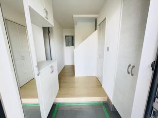 【玄関】千葉市中央区葛城 新築一戸建て 本千葉駅