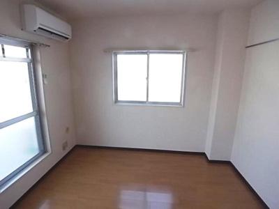 角部屋・二面窓のお部屋です。