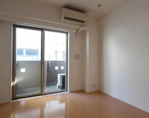 【居間・リビング】ラグジュアリーアパートメント中野坂上