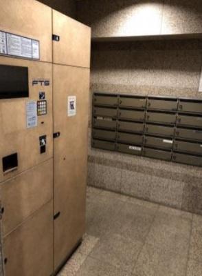 マイキャッスル池尻大橋のメールボックスと宅配ボックスです。