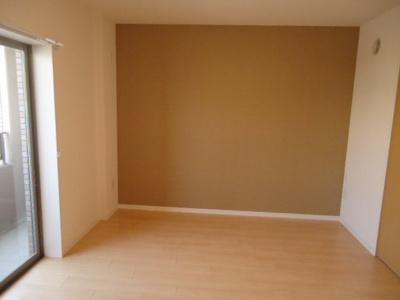 「明るいお部屋です」