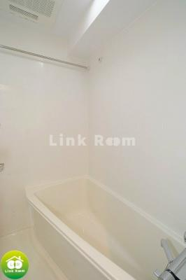 浴室乾燥機付きで雨の日のお洗濯も安心です