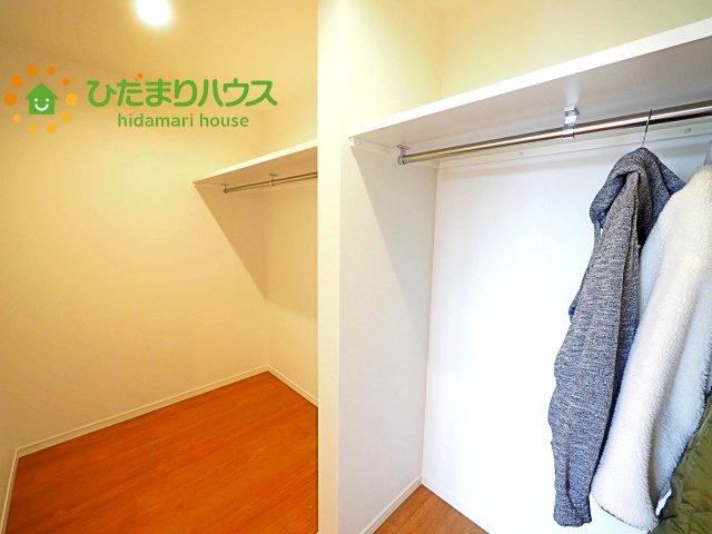 女性に人気のウォークインクローゼット付き! コートやジャケットはもちろん、季節物や布団なども全部収納できちゃいます(^^)/