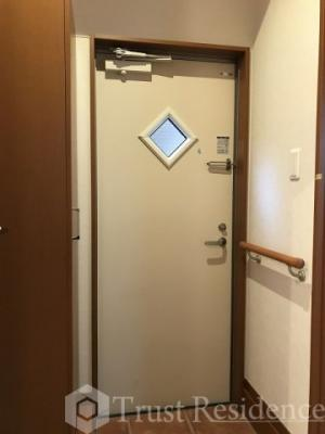 【玄関】リスレーヌ蔵前
