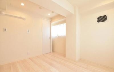 桜上水マンションの洋室です。