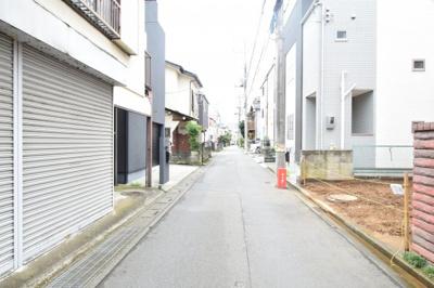 【前面道路含む現地写真】朝霞市栄町2丁目 新築戸建1棟