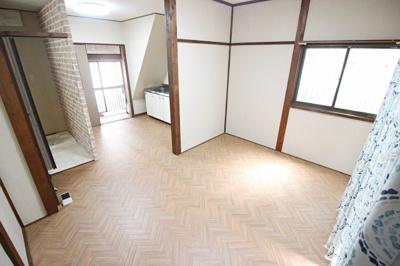 【居間・リビング】東山本新町3丁目戸建