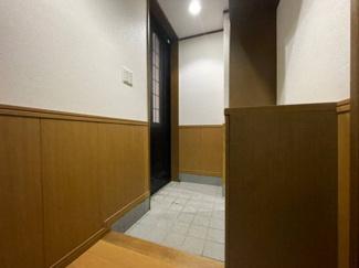 家の顔となる玄関。 豊富な収納、すっきりとした広さを確保。