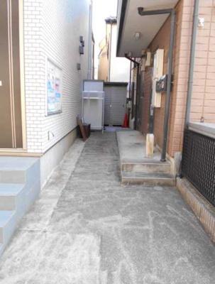 【エントランス】コランダムハウス バストイレ別 室内洗濯機置場 ネット1M無料