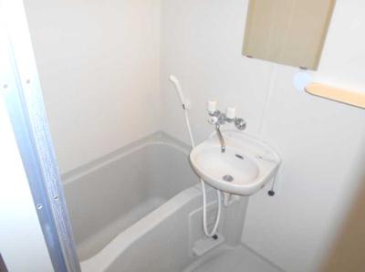 【浴室】コランダムハウス バストイレ別 室内洗濯機置場 ネット1M無料