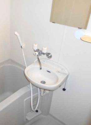 【洗面所】コランダムハウス バストイレ別 室内洗濯機置場 ネット1M無料