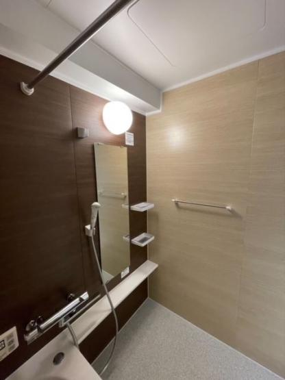 浴室暖房乾燥機は湿気を排しカビ防止に大活躍します。冬季のヒートショック緩和にも役立ってくれます。