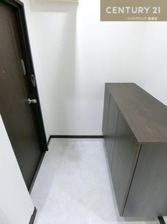 シューズボックスは収納たっぷり玄関もすっきり保てそうですね。
