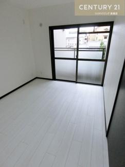 和室のお部屋をリフォームし3部屋すべてが洋室となっています。