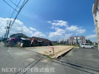 前面道路は南側 公道 幅員約7.5mです!!開放的な売地です(^^)
